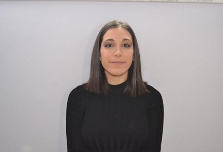 Claudia de la Mata Renilla, estudiante de Bachiller del I.E.S Ornia de La Bañeza, posando para la entrevista
